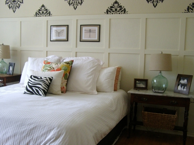 Bed Without Headboard Small Rustic Bedroom Spaces With Queen Bed With White Bed Cover Pic 15
