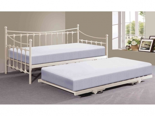 White daybed with trundle bed ideas photos 40 bed for Full daybed ikea