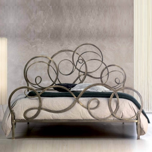Italian Furniture Classic Azzurra Metal Headboards For Double Bed For Bedroom By Cosatto Letti  Picture 58