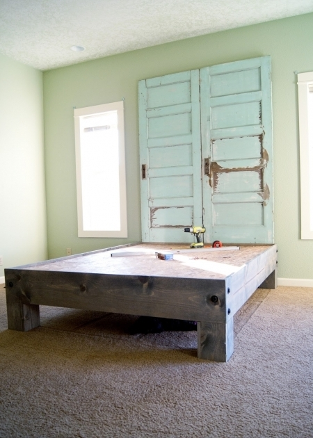 ... Diy Platform Bed And Salvaged Door Headboard Made From A Door Picture  23 ...