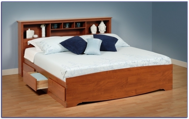 Minimalist Queen Platform Bed With Storage And Headboard Bedroom Furnished With Wooden Platform Bed Image 60