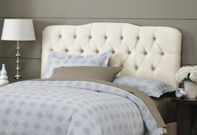 Top Grey Upholstered Cheap Tufted Headboard Designs With Standing Lamp Pictures 95
