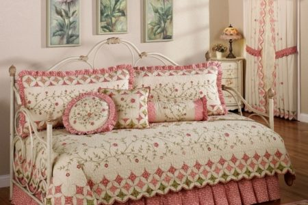 Bedding for Daybeds