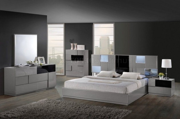 Bedroom Furniture Cheap Gray Fur Rug White Laminated Flooring Bobs Furniture Headboards Photo 01