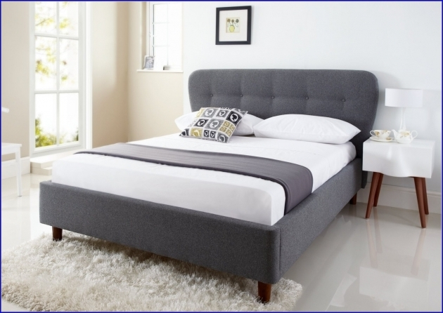 Best Mattress For Platform Bed Gray Upholstered King Storage Bed Frame Black Acrylic Feet Low Upholstered Bed Photos 19