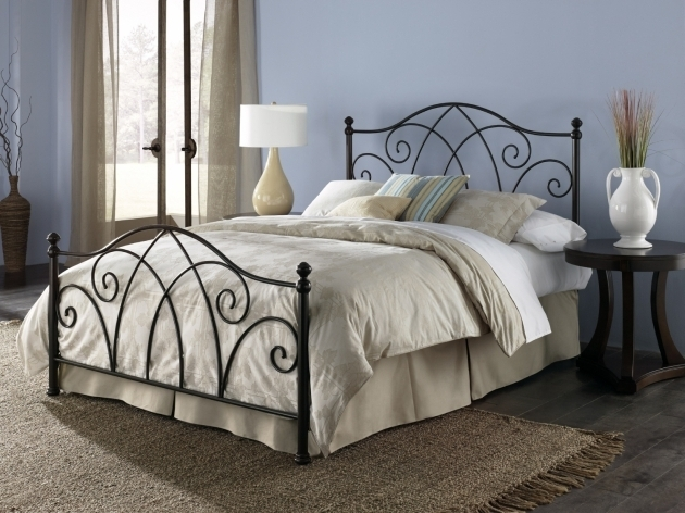 Doral King Metal Bed Frame Headboard Footboard Picture 00