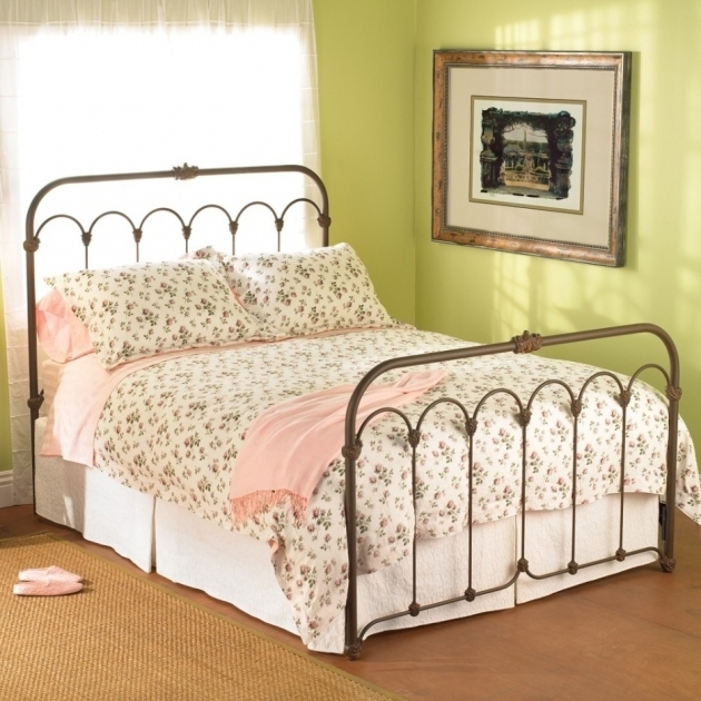 Rustic Metal Bed Frames Bedroom Simple And Chic Bedroom Furniture Ideas Photo 21