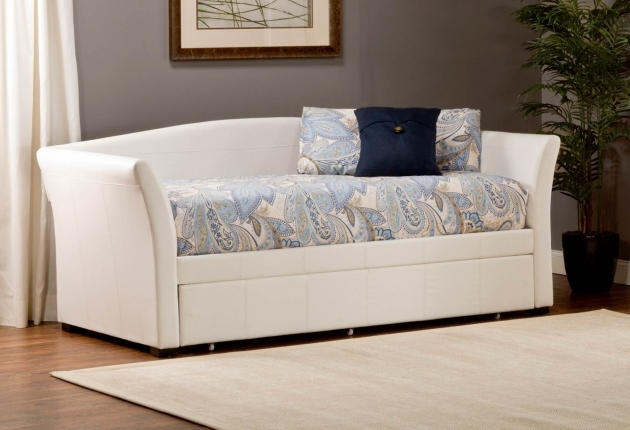 White Daybeds With Pop Up Trundle Bed Linen On Hardwood Floor And White Rug Picture 20
