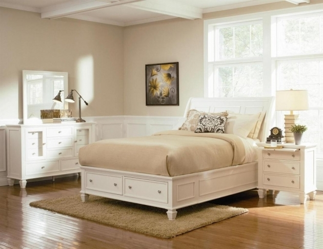 White Storage Platform Bed Queen Size  Picture 04