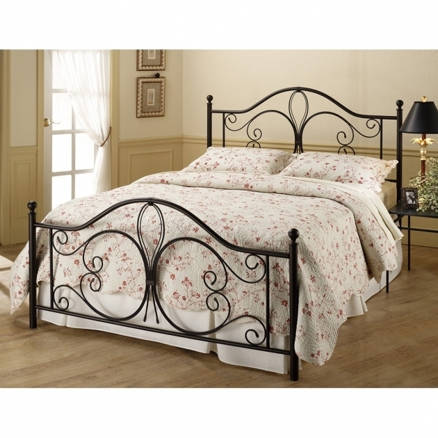 Milwaukee Antique Metal Beds Photos 14